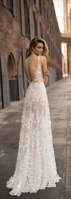 A beautiful, breezy, backless wedding dress by @bertabridal I COULDN'T BEGIN TO CONSIDER A WEDDING DRESS, MORE GLORIOUS THAN THIS!! - ABSOLUTELY EXQUISITE!!