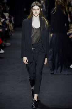 Ann Demeulemeester Fall 2016 Ready-to-Wear Fashion Show - Allyson Chalmers
