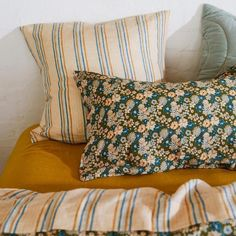 Quilt Pillow Case, Pillow Cases, Grown Up Bedroom, Master Bedroom Design, Bedroom Inspo, Bedroom Ideas, Quilted Pillow, Cool Rooms, Floral Design