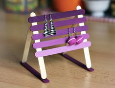 12 Mother's Day Crafts to Make with Craft Sticks Craft Sticks or Popsicle Sticks are incredibly versatile! So bring them all out to make some fun and easy Mother's Day Crafts for Mom! Craft Stick Projects, Diy Popsicle Stick Crafts, Diy Art Projects, Popsicle Sticks, Craft Sticks, Craft Ideas, Diy Gifts For Christmas, Diy Gifts For Mom, Crafts For Teens To Make