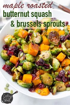 Maple Roasted Butternut Squash and Brussels Sprouts Salad! The perfect fall salad Brussel Sprout Salad, Sprouts Salad, Brussels Sprouts, Vegan Brussel Sprout Recipes, Vegetable Recipes, Vegetarian Recipes, Healthy Recipes, Baking Recipes, Yummy Recipes