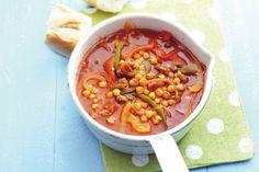 Het zal je verbazen hoeveel smaak Spaanse chorizo aan deze soep geeft. Lekker vullend met kikkererwten - Recept - Allerhande