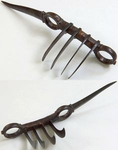 Indian (North) bagh nakh (tiger claws) with bichwa type side blade, 18th century, the Feldman Collection.