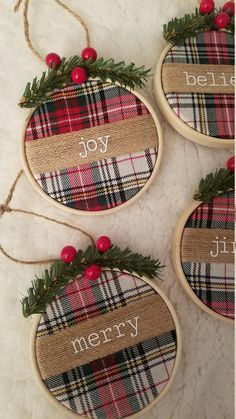 Christmas Ornaments To Make, Plaid Christmas, Christmas Projects, Holiday Crafts, Farmhouse Christmas Ornaments, Rustic Christmas Tree Decorations, Rustic Christmas Crafts, Homemade Christmas Decorations, Homemade Ornaments