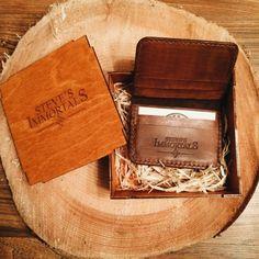 Leather card holder / front pocket wallet for men. Easy access cardholder. Handmade full grain leather wallet. Genuine veg tanned leather.