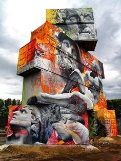 Street Art et Dieux Grecs – Une superbe création réalisée sur des containers par Pichi et Avo