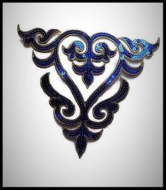 Applique transfert bleu roi brodé à sequins grand modèle -  embellissement - customisation - couture - mercerie - costume vénitien - cabaret - mariage - cérémonie.
