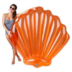 Get yourself into beach mode fast, even if you're landlocked by the pool. This fun, giant seashell pool float from BigMouth Inc is a hilarious wide, and is perfect for a relaxing day in any body of water. The thick, durable vinyl holds up to 200 lbs.