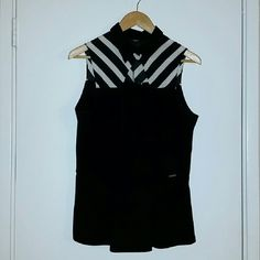 Black Sleeveless Peplum Top + worn twice + single button at collar + pairs well with skinny jeans or pencil skirt + offers welcome via designated button Guess Tops