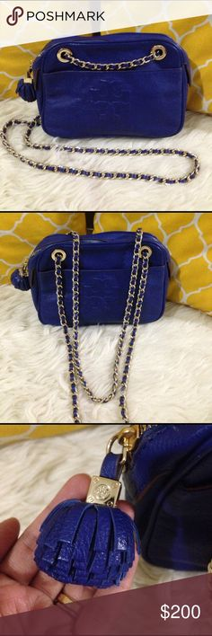 Tory Burch Pebbled Leatger Royal Blue Crossbody 💟Authentic💟Excellent shape. Minimal sign of use only. Features zip to close, chain and leather strap, front and back snap pocket, zippered pocket inside and gold hardware. Great go to crossbody. Don't be shy to make an offer💕 Tory Burch Bags Crossbody Bags