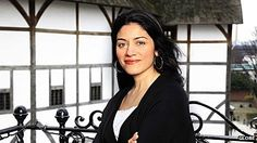 Farah Karim-Cooper is head of higher education and research at the Globe - BBC article