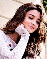 "infinitebollywood: "" Alia Bhatt in Shaandaar trailer """