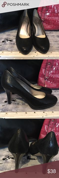 """ANNE KLEIN SIZE 7, BLACK SNAKE SKIN 3"""" HEELS AK ANNE KLEIN, SIZE 7, STYLE: AKWYSTERE, LEATHER UPPER HEELS! The only wear is on the soles! These are super classy, with some sexy mixed in! Easy to wear! Go from day to night! Worn no more than 4 times! BEAUTIFUL HEELS! Anne Klein Shoes Heels"""