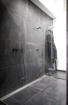 / bathroom - Large tiles + Vola faucet