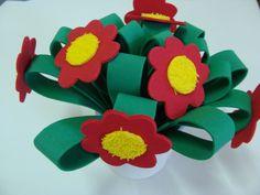 acomode-a-grama-e-cole-as-flores-de-eva
