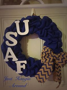 Us air force burlap wreath/navy blue wreath/us airforce/ airforce wreath. Military Wreath, Military Crafts, Patriotic Wreath, 4th Of July Wreath, Wreath Crafts, Burlap Wreath, Air Force Girlfriend, Airforce Wife, Going Away Parties