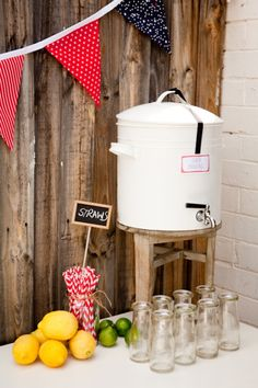 Drinks table / beverage station Wedding Events, Wedding Reception, Weddings, 1st Birthday Parties, Birthday Ideas, Drink Stand, Drink Stations, Awesome Boy, Drink Table