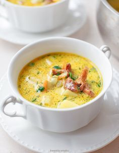 chanterelle soup with potatoes and dill Soup Recipes, Cooking Recipes, Healthy Recipes, Good Food, Yummy Food, Special Recipes, Mushroom Recipes, Best Cookbooks, Fast Dinners