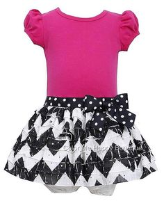 Bonnie Jean offer This BEAUTIFUL fuchsia pink and black short-sleeved dress for your baby girl. Perfect for any occasions. (sz. 12m - 24m)