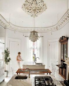 White Kitchen, high ceiling, chandelier in kitchen ELLE DECOR Interior Exterior, Kitchen Interior, Interior Architecture, Kitchen Decor, Beautiful Architecture, Kitchen Dining, Home Living, Living Spaces, Elle Decor