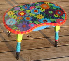 Fun and funky coffee table <3 it