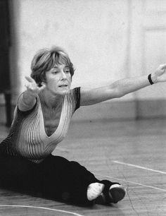 Original Broadway Rehearsals. Musical Stager & Choreographer GILLIAN LYNNE Photo Credit: CLIVE BARDA