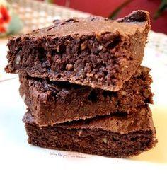 Já pensou usar inhame para fazer um brownie lindo assim? Sem glúten, lactose e açúcar.