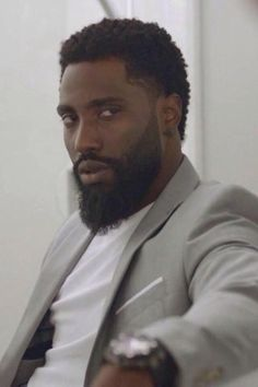 Denzel's son John David Washington as Ricky Jerret in HBO's Ballers Fine Black Men, Handsome Black Men, Fine Men, Black Women, My Black Is Beautiful, Gorgeous Men, Black Men Beards, Beard Game, Rick Y