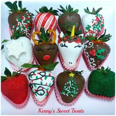 Hot chocolate with banana - Clean Eating Snacks Christmas Chocolate, Christmas Desserts, Christmas Treats, Chocolate Tree, Chocolate Bouquet, Christmas Goodies, Chocolate Covered Treats, Chocolate Dipped Strawberries, Strawberry Dip