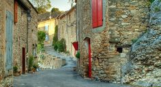 Minerve, Languedoc-Roussillon : Le silence avant le réveil