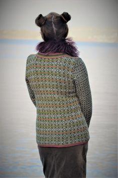 Ravelry: Hippie kofte or Jacket pattern by Sidsel J. Crochet Hooks, Knit Crochet, Crochet Cardigan, Chrochet, Sweater Knitting Patterns, Crochet Patterns, Hippie Man, Origami Fashion, Vogue Patterns