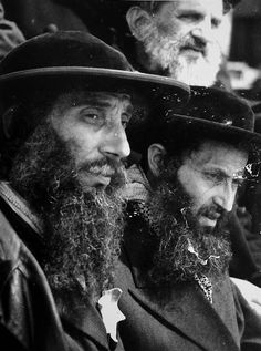 Rabbis in Auschwitz  NEVER forget