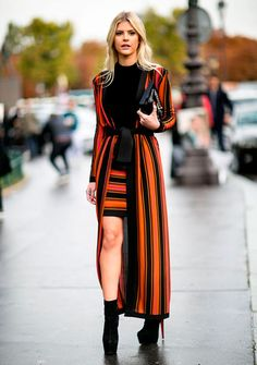 lala rudge street style sobretudo listras saia