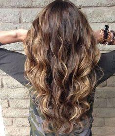 Más de 100 peinados de mujer para Primavera-Verano 2016: Ondas marcadas desde los medios. ¡Geniales