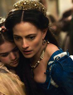 Lara Pulver as Clarice Orsini in Da Vinci's Demons (TV Series, 2014).