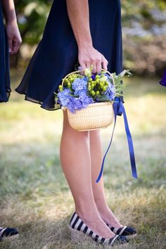 Nantucket wedding baskets DIY    Photography By / http://bkbphoto.com,