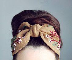 Вышивка так напоминает мне свекольные листочки) Материал лён. . . . Hair Turban, Turban Headbands, Headdress, Headpiece, Fascinator, Headbands For Short Hair, Turbans, Diy Hair Accessories, Bijoux Diy