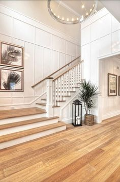 Inventive Staircase Design Tips for the Home – Voyage Afield House Staircase, Staircase Remodel, Staircase Makeover, Wood Staircase, Home Stairs Design, House Design, Stairwell Wall, House Entrance, Home Deco