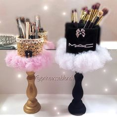 Makeup Room Ideas Makeup Brush Holders for Businesses - Things I Love . - Makeup Room Ideas Makeup Brush Holders for Businesses – Things I Love … - Make Up Organizer, Make Up Storage, Diy Storage, Storage Organizers, Storage Ideas, Drawer Storage, Makeup Room Decor, Makeup Rooms, Diy Vanity