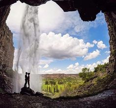 Twin Falls, Idaho --- @m0nstercl0set have you ever been here?!? It looks so pretty adventure?!?!                                                                                                                                                     More