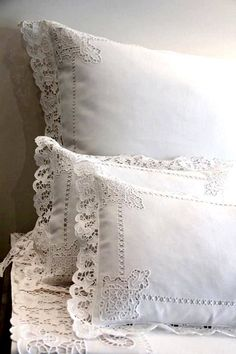 Source Factory single size plain cotton white lace ahem stick hotel bed sheets o Hotel Bed Sheets, Linen Bed Sheets, Linen Pillows, Cushions, Cotton Bedding Sets, Antique Lace, Vintage Linen, Linens And Lace, Cutwork