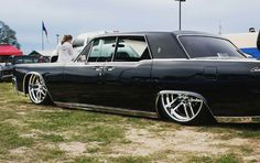 Lincoln Continental sittin low