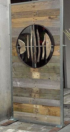 POISKAÏ of AGATHE – why not – Charly & Vero Fish in a recycled wood wall Poisson dans un mur de bois recyclé - Door Metal Room Divider, Room Divider Screen, Driftwood Projects, Driftwood Art, Pallet Art, Fish Art, Beach Art, Yard Art, Wood Pallets