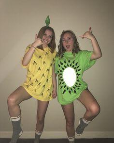 Fruit DIY halloween costume Fruit Costumes, Old Lady Costume, Twin Halloween, Diy Halloween Costumes For Women, Kiwi, Pineapple Costume Diy, Pineapple Halloween, Halloween Disfraces, Zombie Makeup
