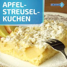 Apfelstreuselkuchen vom Blech A juicy sheet cake with buttery sprinkles over apple slices that makes Dessert Recipes For Kids, Kid Desserts, Homemade Desserts, Healthy Dessert Recipes, Healthy Baking, Cake Recipes, Summer Desserts, Dessert Simple, Apple Crumble Cake