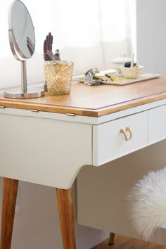 DIY Vanity from a Vintage Sewing Table