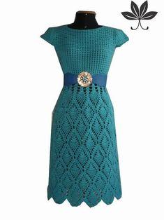 Vestido Crochê Safira Da Www. Crochet Skirt Outfit, Crochet Beach Dress, Crochet Summer Dresses, Black Crochet Dress, Crochet Skirts, Diy Dress, Crochet Clothes, Crochet Lace, Dress Patterns