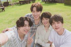 Taehyung, Bts Bangtan Boy, Bts Jimin, Bts Jungkook, Foto Bts, Bts Photo, Die Beatles, Bts Summer Package, Bts Polaroid