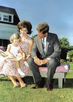 Love the colors... A Kennedy family outtake for Look magazine in 1959.