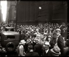 Crowd waiting on Clark Street to see Al Capone during his trial, October 16, 1931. — Chicago Tribune historical photo, May 10, 2013